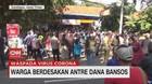 VIDEO: Warga Berdesakan Antre Dana Bansos