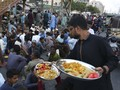 FOTO: Buka Puasa Bersama saat Pandemi Corona di Pakistan
