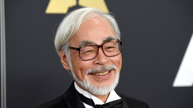 Rumah produksi animasi legendaris asal Jepang, Studio Ghibli, akhirnya membuat akun Twitter dan memamerkan di balik proses kerja Hayao Miyazaki.