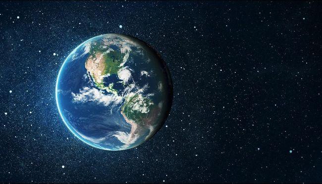 Atmosder eksopanet WASP-33b terdeteksi memiliki hidroksil (OH), molekul yang umum ditemukan di Bumi.