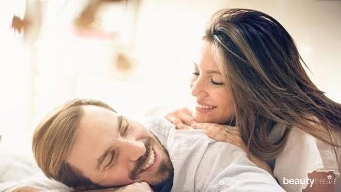 5 Gaya Bercinta yang Bikin Pria Tahan Lama di Ranjang