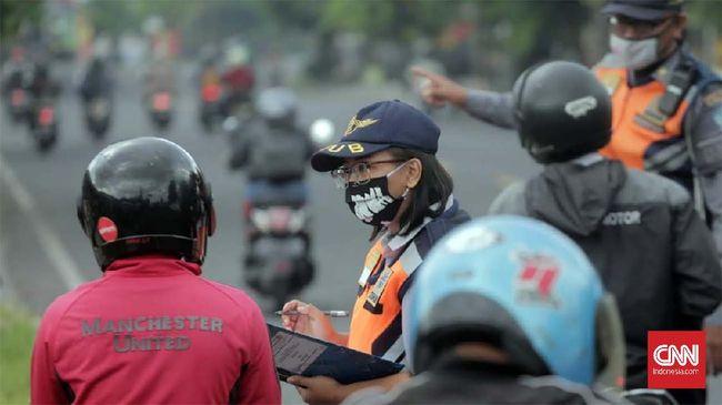 Pemprov Sumatera Utara kembali memperpanjang pembatasan kegiatan masyarakat (PKM) mulai 15 hingga 28 Juni 2021 di tengah melonjaknya kasus covid-19.