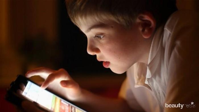 Awasi Si Kecil, Ini Dia 5 Dampak Buruk Kecanduan Youtube Bagi Anak