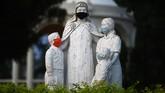 The monument dedicated to the Salvadorian Catholic nun Clara Maria de Jesus Quiros, known as