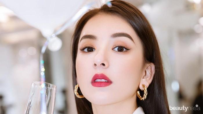 5 Potret Glamor Moka Fang, Istri Aaron Kwok yang Cantik Bak Barbie