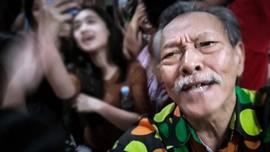 Jenazah Aktor Henky Solaiman Dikremasi dan Dilarung ke Laut
