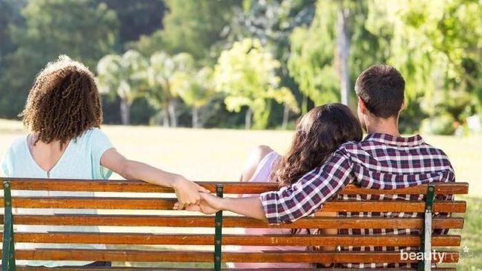 5 Sinyal Ini Bisa Jadi Tanda Pasangan Kamu Selingkuh
