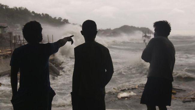 Badai tropis Noul yang menghantam Vietnam pada Jumat (18/9) telah menewaskan satu orang dan puluhan lainnya luka-luka.