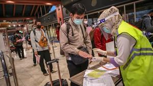 Gugus Tugas Covid-19 Ubah Syarat Orang Pergi Selama Pandemi