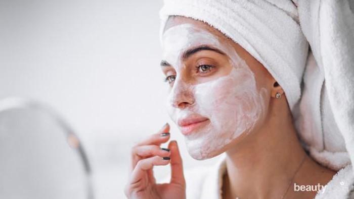 Tetap Cantik Meski Gak Bisa Nyalon, 7 Langkah Home Facial untuk Kulit Kombinasi