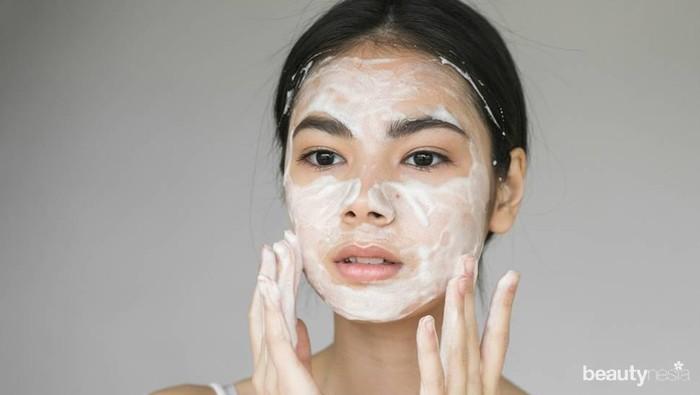 Di Rumah Aja, Perlu Double Cleansing Gak Ya? Ini Panduan Skincare Tepat Selama #dirumahaja