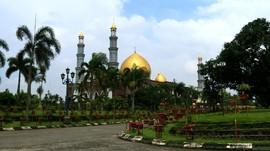 Masjid Dian Al-Mahri, Istana Emas di Tepi Kota Depok