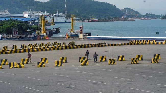 BMKG menyatakan cuaca buruk yang terjadi wilayah pulau Jawa bagian barat disebabkan terjadinya konvergensi atau pertemuan angin.