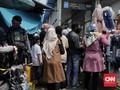 Satpol PP 'Kecolongan' PKL Tanah Abang Menjamur di Masa PSBB