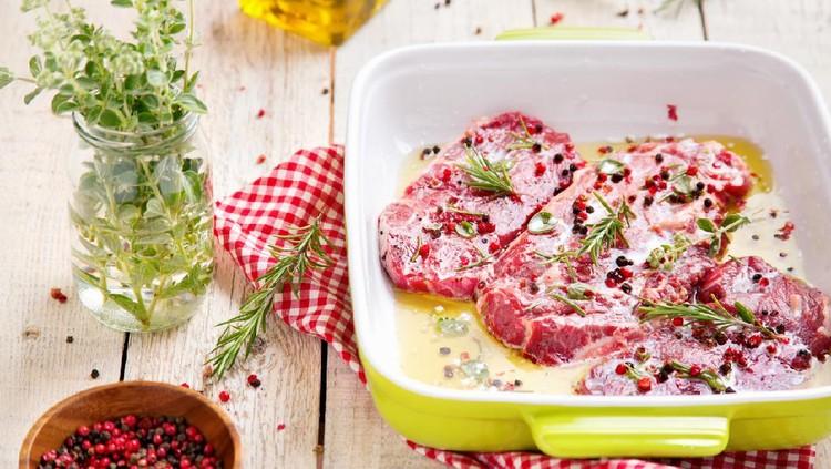 Ilustrasi daging sapi marinasi