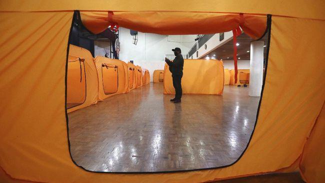 Pemprov DKI menyatakan ada 36 Gelanggang Olahraga Remaja (GOR) di 44 kecamatan yang bisa digunakan sebagai ruang isolasi mandiri pasien Covid-19.