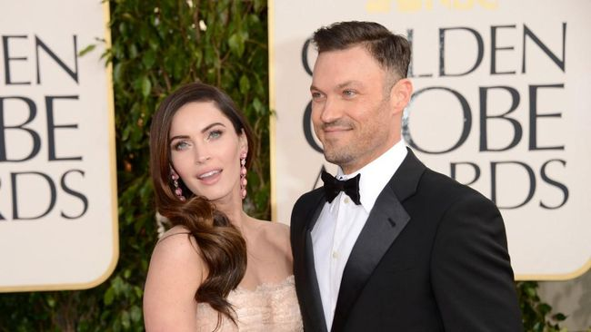 BEVERLY HILLS, CA - JANUARY 13: Actress Megan Fox (L) and actor Brian Austin Green arrive at the 70th Annual Golden Globe Awards held at The Beverly Hilton Hotel on January 13, 2013 in Beverly Hills, California.   Jason Merritt/Getty Images/AFP