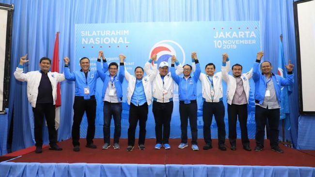 Partai Gelora Indonesia menyatakan dukungan pada anak dan menantu Presiden Jokowi yang turut berlaga di Pilkada Serentak 2020.