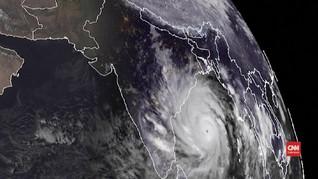 VIDEO: Topan Terdahsyat Terjang India dan Bangladesh Hari Ini
