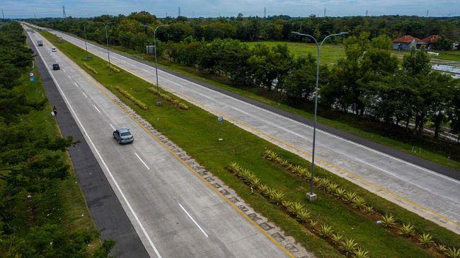PT Astra Tol Cipali akan membuka lajur di bahu jalan untuk mengurangi beban lalu lintas di Jalan Tol Cipali Km 122+400 yang amblas.