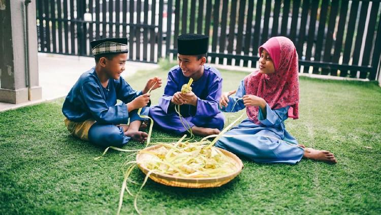 Saat Anak Tanya Makna Idul Fitri, Ini Cara Mudah Bunda Menjawabnya