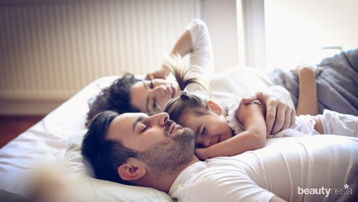 Berhubungan Intim Saat Masih Sekamar dengan Balita? Tetap Bisa Kok!