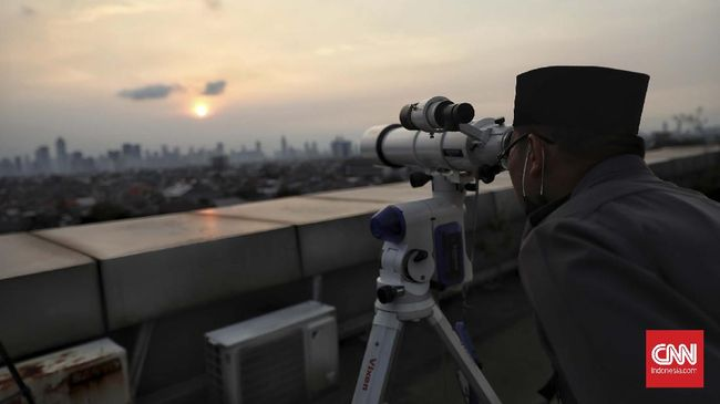 Berdasarkan rukyatul hilal, PBNU memberitahukan bahwa awal bulan Ramadan 1442 H jatuh pada Selasa, 13 April 2021.