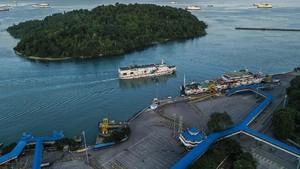 Penumpang dari Pelabuhan Merak Jatuh Hanyut di Selat Sunda