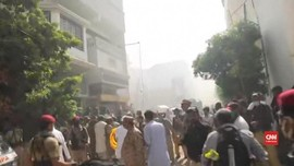 VIDEO: Detik-detik Setelah Jatuhnya Pesawat di Pakistan