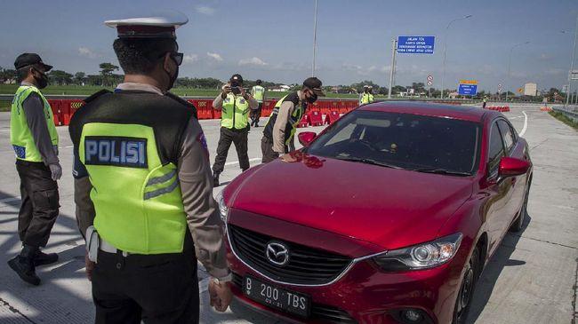 Sebanyak 963 kendaraan diputarbalik di GT Cileunyi Bandung jelang larangan mudik Lebaran pada 6-17 Mei mendatang.