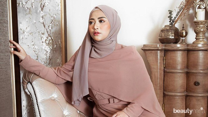 Tren 2020, Model Gamis Lebaran ala Influencer Cantik Indonesia