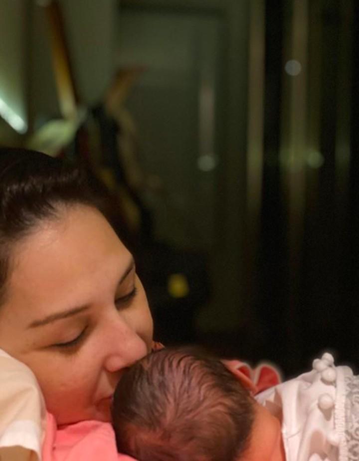 Mona Ratuliu melahirkan anak keempat