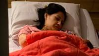 <p>Di usia 38 tahun, Mona Ratuliu melahirkan anak keempat secara caesar, yang berjenis kelamin perempuan. (Foto: Instagram @indrabrasco)</p>