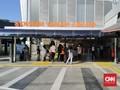 Antisipasi Padat Penumpang KRL, Stasiun Tanah Abang Disekat