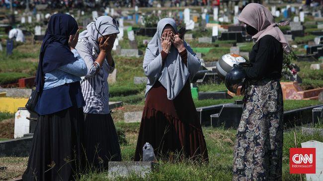 Gubernur DKI mengatakan dalam rapat antarkepala daerah Jabodetabek telah dijalin kesepakatan bersama soal peniadaan ziarah makam hingga operasional mal.