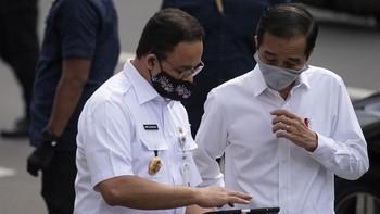 Jokowi Beri Tenggat Anies Capai Herd Immunity Jakarta Agustus