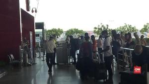 VIDEO: Kasus Corona Melonjak, India Tetap Buka Penerbangan
