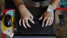 Produksi Laptop Chromebook Libatkan Siswa SMK Magang