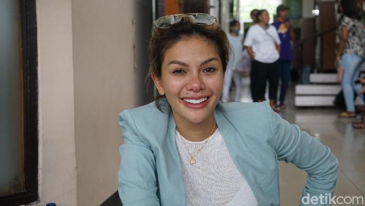 Nikita Mirzani saat ditemui di Pengadilan Negeri Jakarta Selatan.