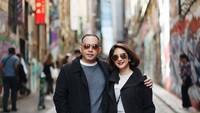 <p>Novita Angie menikah dengan Sapto Haryo pada 2001 silam. Keduanya selalu terlihat romantis selama 19 tahun menikah. (Foto by Sweet Escape via Instagram @novitaangie)</p>