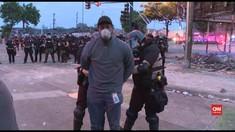 VIDEO: Jurnalis CNN Ditangkap Saat Liput Demo Rusuh di AS