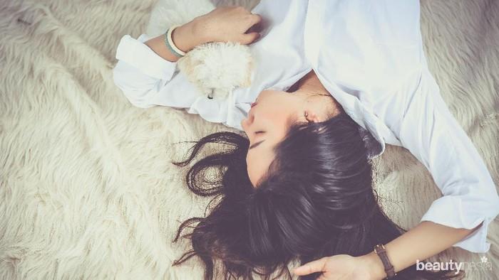 Ternyata, Ini Lho Manfaat Tidur Tanpa Bantal! Penasaran?