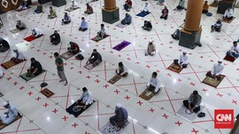 Khofifah Izinkan Masjid di Jatim Gelar Salat Jumat