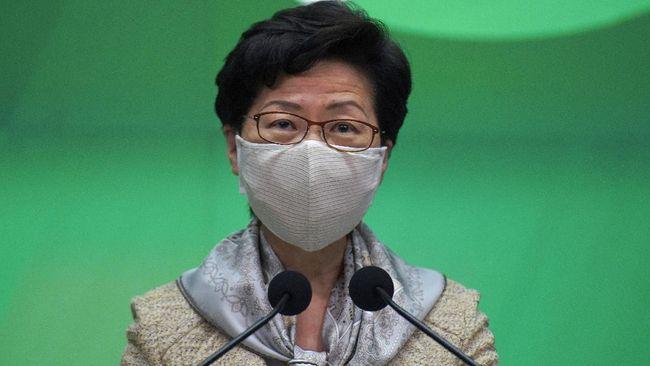 Setelah menuai protes, Hong Kong menangguhkan rencana penerapan kebijakan wajib vaksin Covid-19 bagi TKA jika ingin kontrak kerja diperpanjang.