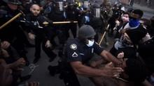 Truk Polisi New York Tabrak Pendemo di Aksi George Floyd