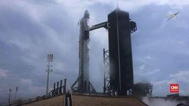 VIDEO: Roket SpaceX Meluncur ke Luar Angkasa Usai Ditunda