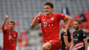 FOTO: Menang Telak, Bayern Jauhi Rival dan Dekati Gelar