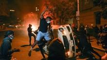 FOTO: Amarah Kematian George Floyd Tumpah di Jalanan AS