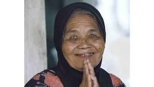Heinz ABC Bantu Lansia Saat Ramadan