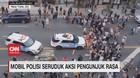 VIDEO: Mobil Polisi Tabrak Kerumunan Pengunjuk Rasa di AS